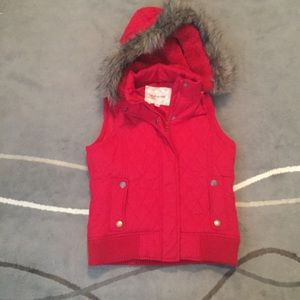 Maurice's Red puffer vest faux fur hood zip button